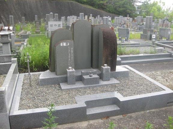 原石を活かしたオリジナルデザイン墓