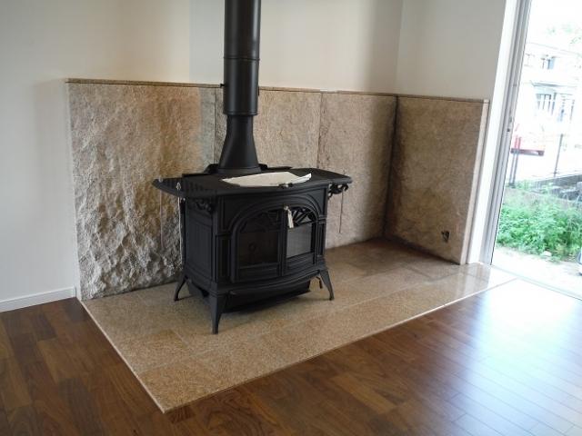 室内の暖炉まわり