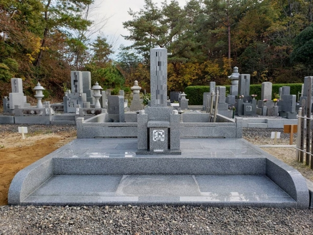 神徒型墓石