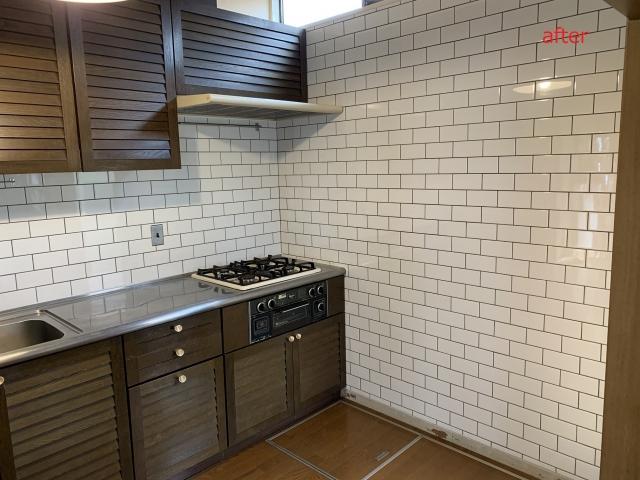 キッチンのリフォーム(サブウェイタイル施工)