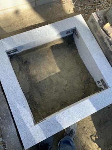 8寸型墓石施工させて頂きました。
