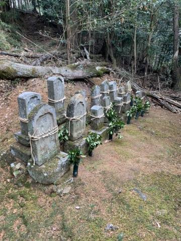 お墓の撤去工事。